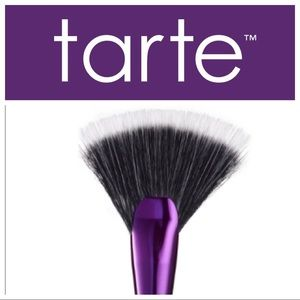 Tarte Rainforest of the Sea Highlighting Fan Brush